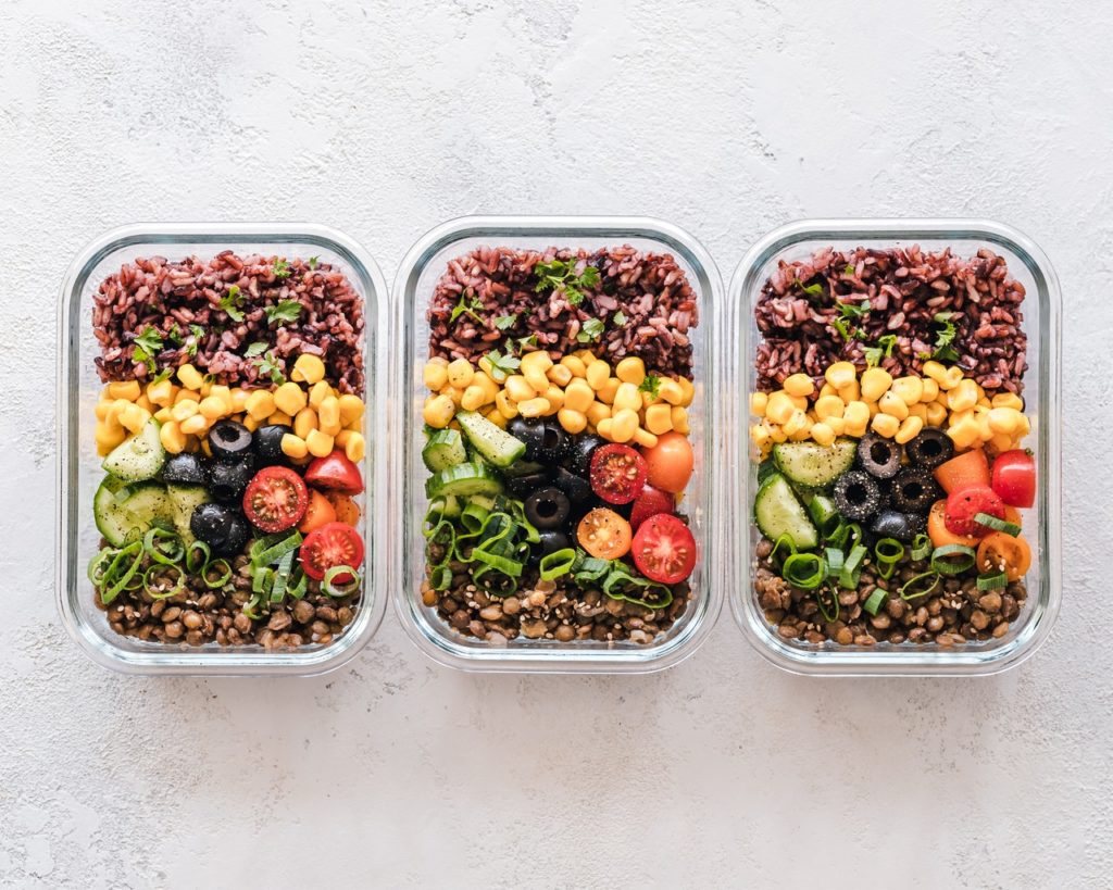 packed lunch boxes - frugal living tips for moms in 2020